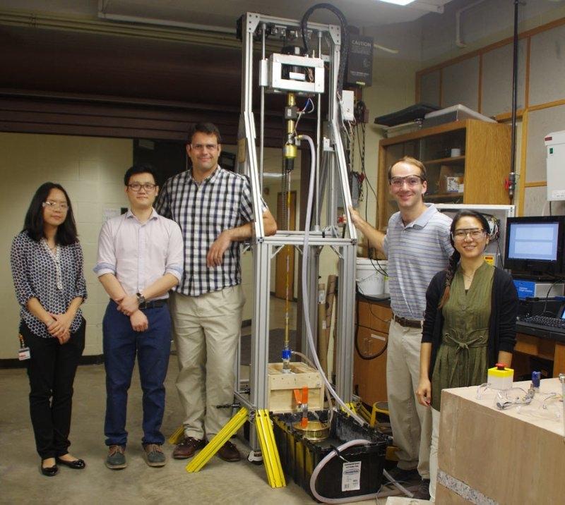 Figure 1. The 2015-2016 nanoRIGv2 team.