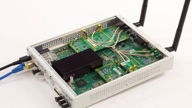 USRP® SDR used to receive 802.11 OFDM beacon frames.